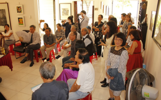 Participants at poet Y Nhi's house