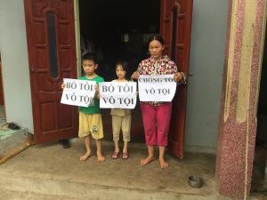 Nguyen Thi Lanh and kids