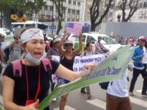 Doan Thi Hong at a protest_Source Facebook Nguyen Thuy Hanh